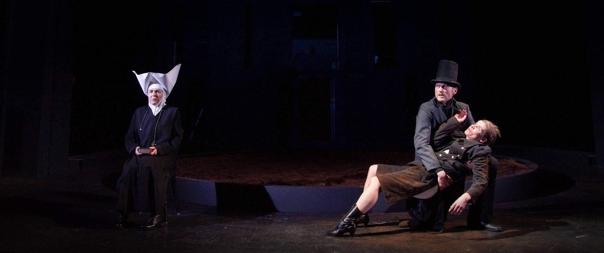 008-DIE-ELENDEN-nach-Victor-Hugo-Les-Miserables-von-Malte-Kreutzfeldt-Regie-c-photo-Olaf-Struck-Theater-Schauspielhaus-Kiel-2019