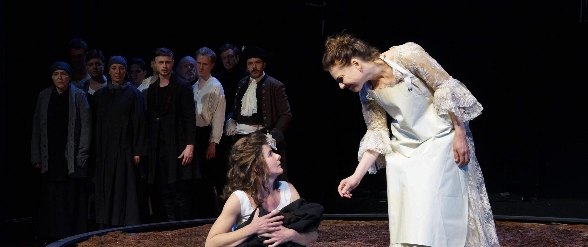 009-DIE-ELENDEN-nach-Victor-Hugo-Les-Miserables-von-Malte-Kreutzfeldt-Regie-c-photo-Olaf-Struck-Theater-Schauspielhaus-Kiel-2019