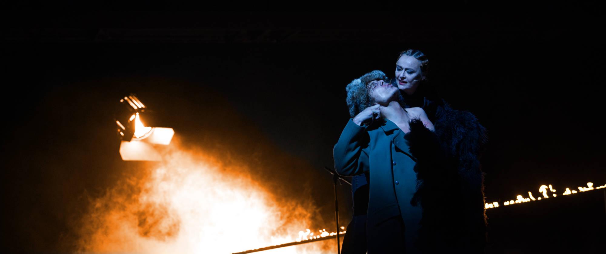 015-BLACK-RIDER-Staatstheater-Cottbus-Regie-und-Buehne-Malte-Kreutzfeldt-2019-photo-c-Marlies-Kross-2019