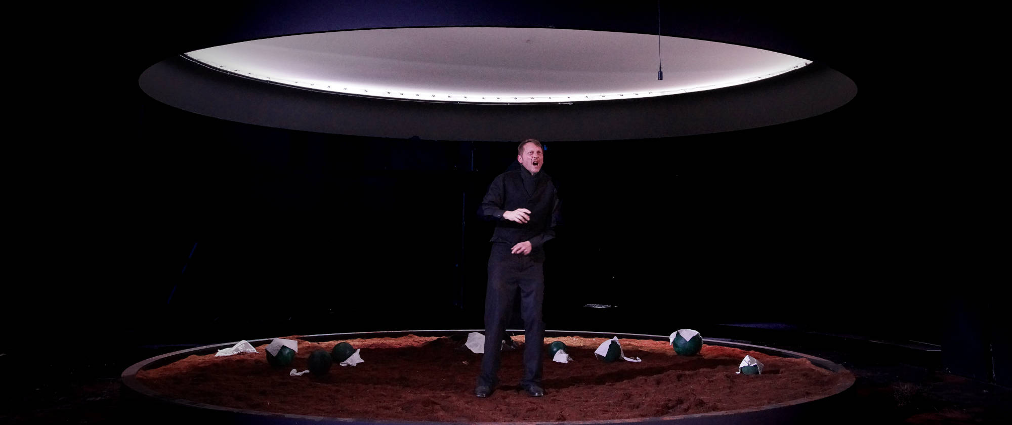 001-DIE-ELENDEN-nach-Victor-Hugo-Les-Miserables-von-Malte-Kreutzfeldt-Regie-c-photo-Olaf-Struck-Theater-Schauspielhaus-Kiel-2019