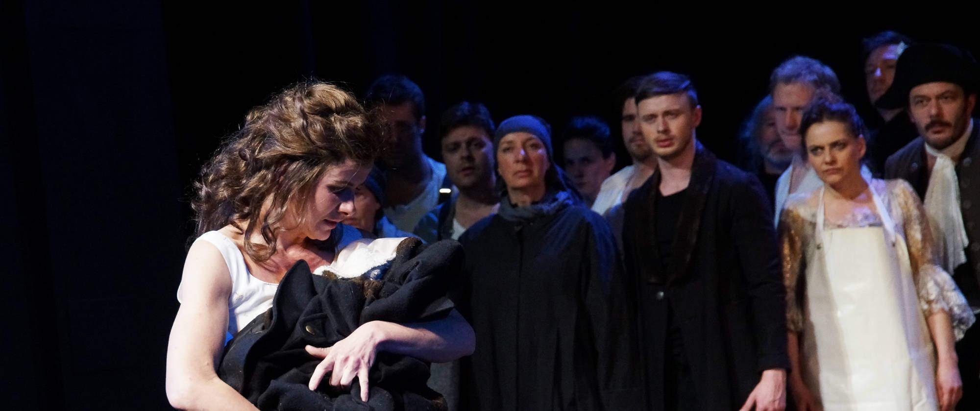 011-DIE-ELENDEN-nach-Victor-Hugo-Les-Miserables-von-Malte-Kreutzfeldt-Regie-c-photo-Olaf-Struck-Theater-Schauspielhaus-Kiel-2019