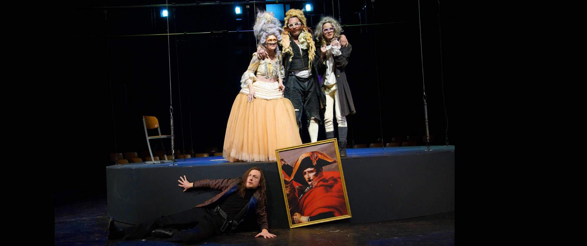 012-DIE-ELENDEN-nach-Victor-Hugo-Les-Miserables-von-Malte-Kreutzfeldt-Regie-c-photo-Olaf-Struck-Theater-Schauspielhaus-Kiel-2019