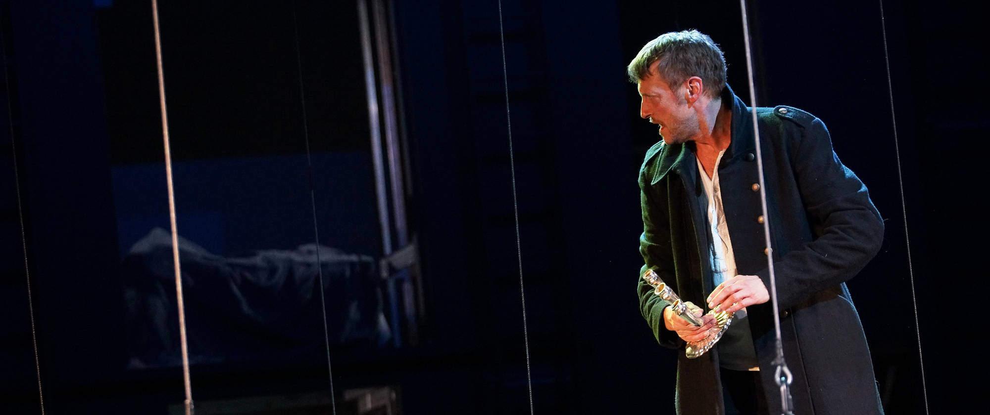 015-DIE-ELENDEN-nach-Victor-Hugo-Les-Miserables-von-Malte-Kreutzfeldt-Regie-c-photo-Olaf-Struck-Theater-Schauspielhaus-Kiel-2019