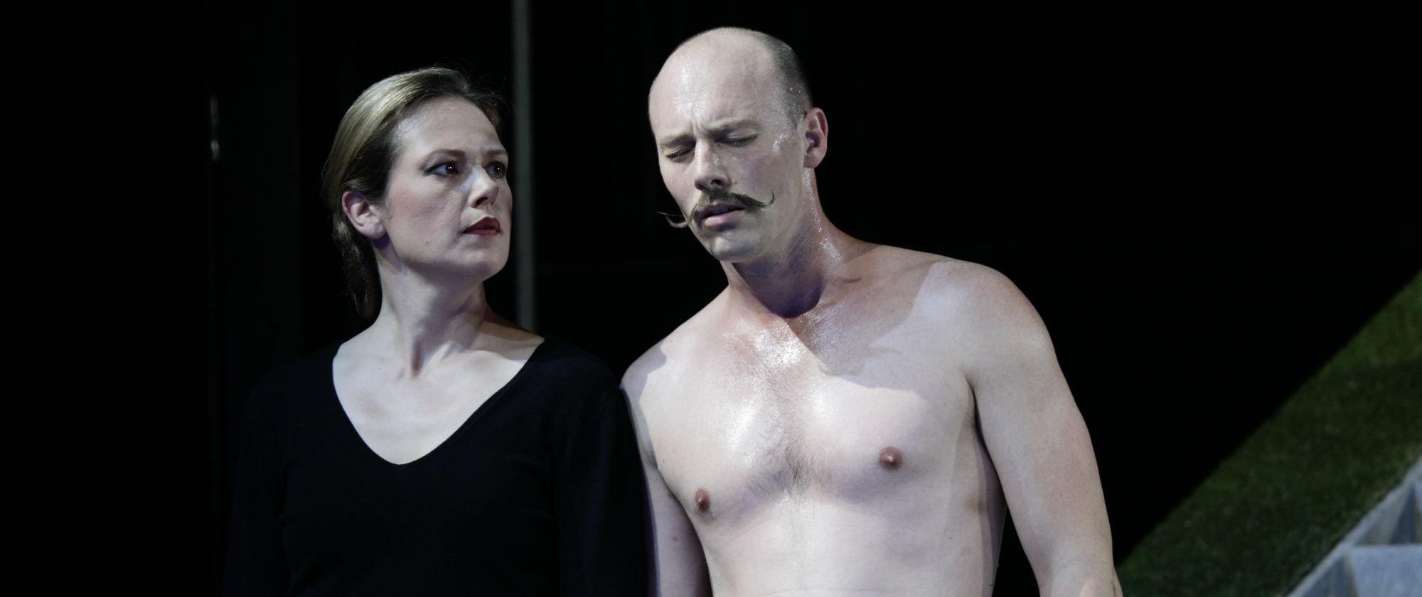 012-VIEL_LAERM_UM_NICHTS_Shakespeare_Regie_Malte_Kreutzfeldt_Staatstheater_Augsburg_2018